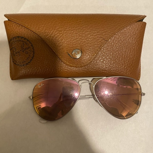Pink mirrored aviator Ray Bans with silver trim